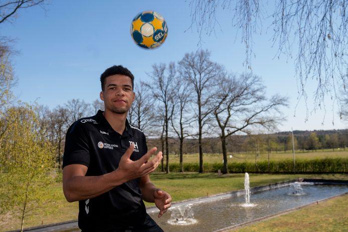 Handballer Ephrahim Jerry uit Eindhoven.