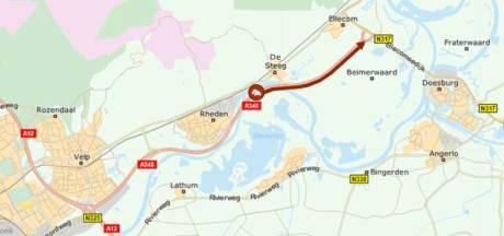 100 minuten in de file bij IJsselbrug Doesburg