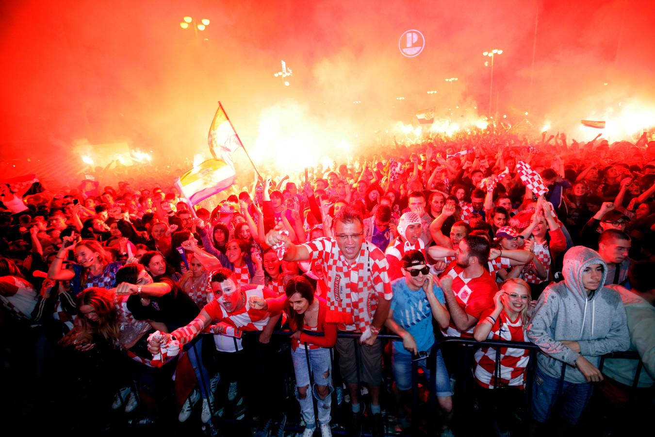 De winst in de halve finale tegen Engeland werd in de Kroatische hoofdstad groots gevierd. Ook vandaag worden er tienduizenden voetbalfans op het Jelacic-plein verwacht.