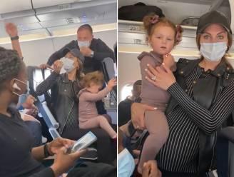 Welles-nietesspel na viraal filmpje: werd familie uit vliegtuig gezet omdat etende peuter geen mondmasker droeg?