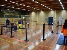 Coronatestlocatie in sporthal in Vlaardingen twee weken langer open