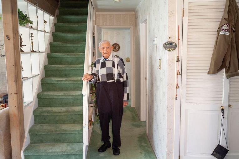 David Wisnia was 17 toen hij in Auschwitz de 25-jarige Helen Spitzer ontmoette. Vandaag woont de 93-jarige man in Pennsylvania. © NYT DANNA SINGER Beeld NYT DANNA SINGER