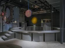 Tentoonstelling rond de moeder van alle vormen in De Kazerne in Eindhoven