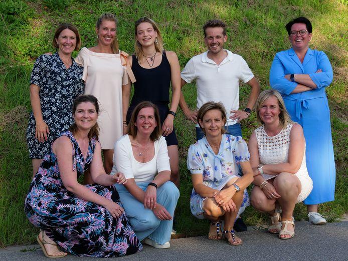 Dokter Servaas Bingé met het team van VVGC