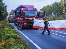 Motorrijder overlijdt bij frontale botsing met vrachtwagen op N279 bij Veghel