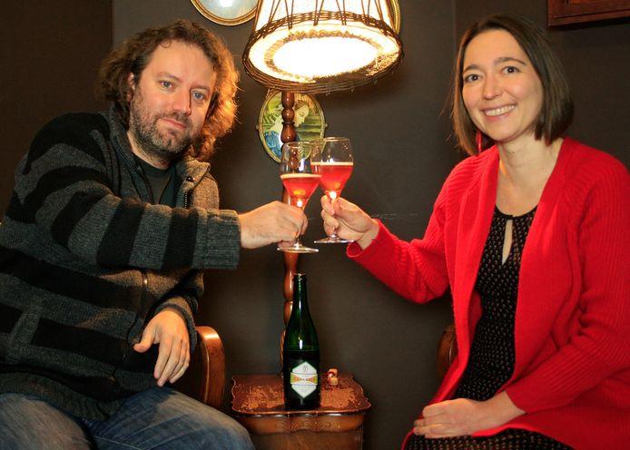 Joeri Devolder en Nancy Demeester van Kaffee Bazaar klinken op het nieuws dat ze op 1 mei de deuren van hun café opnieuw mogen openen.