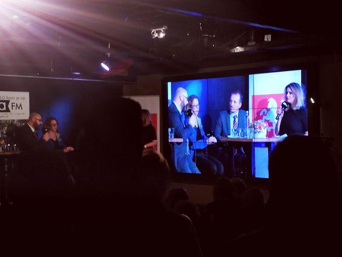 Sebastiaan Stöteler (rechts) in discussie met Marcel Zielman (links) tijdens het slotdebat van Stemmingmakerij.