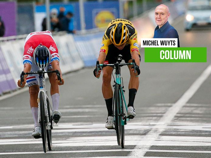 Michel Wuyts zit een laatste keer in de commentaarcabine van een WK wielrennen.