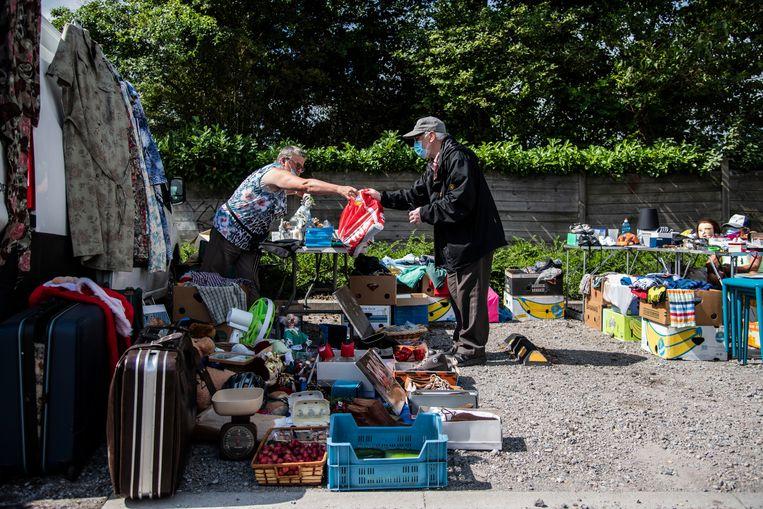 De Zelenaars kunnen weer naar hartenlust koopjes doen op de rommelmarkt.