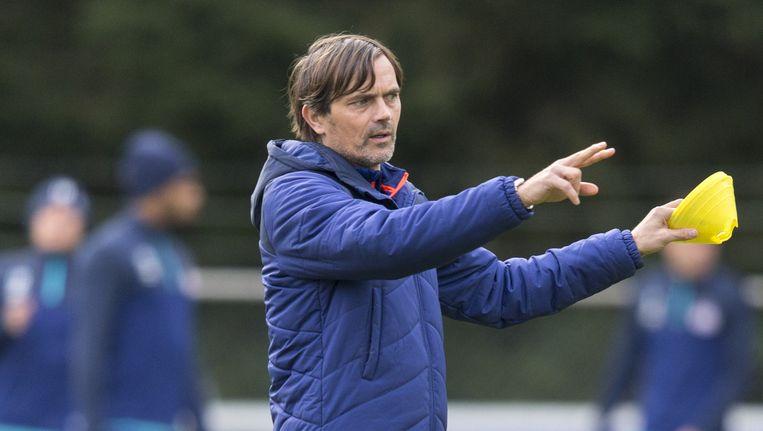 Coach Phillip Cocu tijdens de training van PSV ter voorbereiding op de Champions Leaguewedstrijd tegen CSKA Moskou. PSV won die wedstrijd met 2-1. Beeld anp