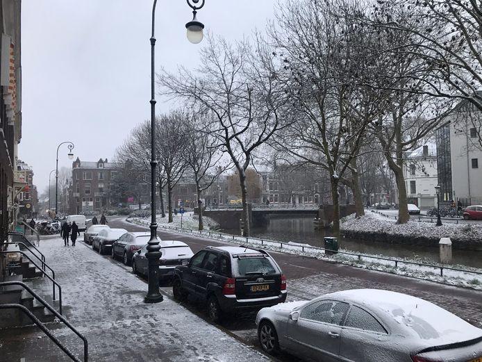 Stefan Boskamp stuurde deze foto van de Weerdsingel OZ in de sneeuw.