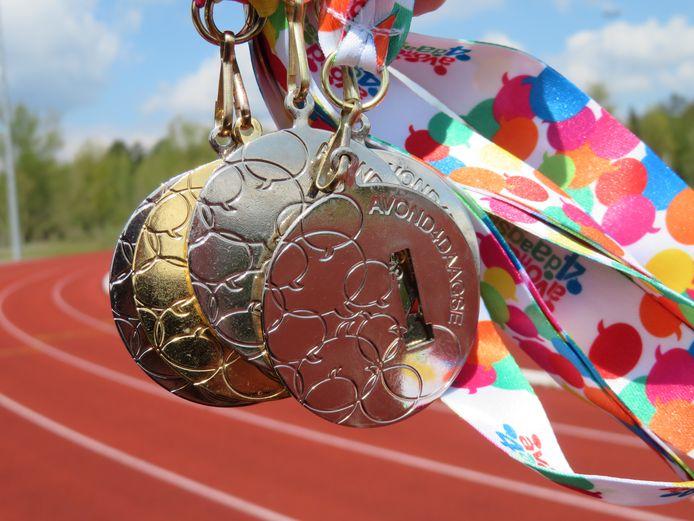 De medailles van de Avondvierdaagse in Rijen