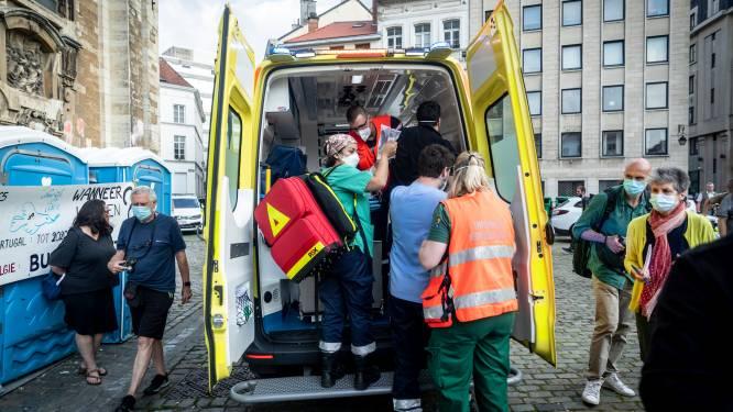 Zestigtal hongerstakende sans-papiers naar ziekenhuis gebracht, steungroep vraagt tussenkomst partijvoorzitters Vivaldi