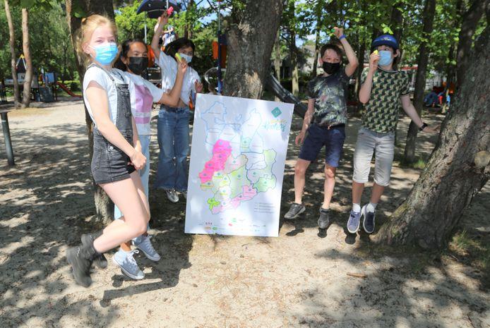 De kinderen kleurden de kaart van de rookvrije Kempen in op recreatiedomein Keiheuvel.