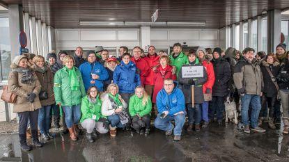 Te hoge werkdruk en besparingen: personeel drie West-Vlaamse ziekencampussen houdt uur stil protest
