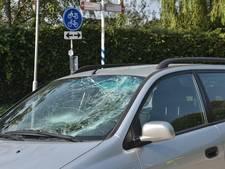 Fietser raakt gewond tijdens oversteken kruising Vossendaal met Hoevenseweg