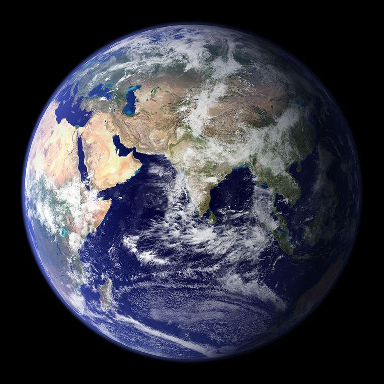 Zal onze aarde zich over miljarden jaren tweemaal zo ver van de zon bevinden?