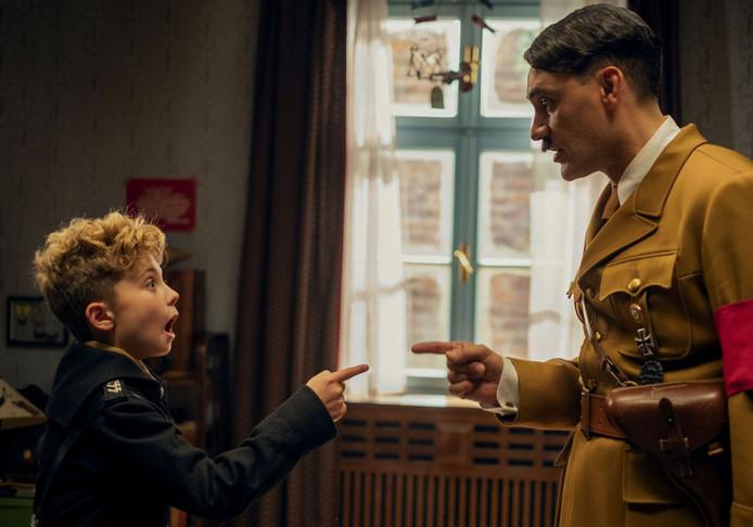 Personne ne voulait jouer le rôle d'Adolf Hitler, le réalisateur a dû le faire lui-même.