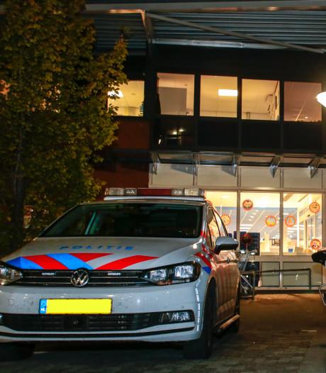 Gewapende overval op supermarkt Hardinxveld-Giessendam: man bedreigt kassière met mes
