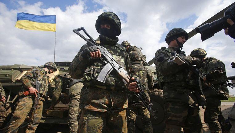Oekraïense troepen ontvangen munitie in Izium, Oost-Oekaïne. Beeld ap