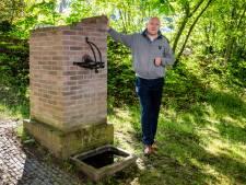 Michael strijdt voor dorpspomp van Rozendaal: 'Hoe kan een gerestaureerde pomp zo snel in verval raken?'