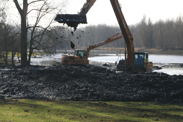 Baggerwerkzaamheden in Natuurpark Lelystad.