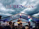 Rubenson treedt vaak op in beachclubs