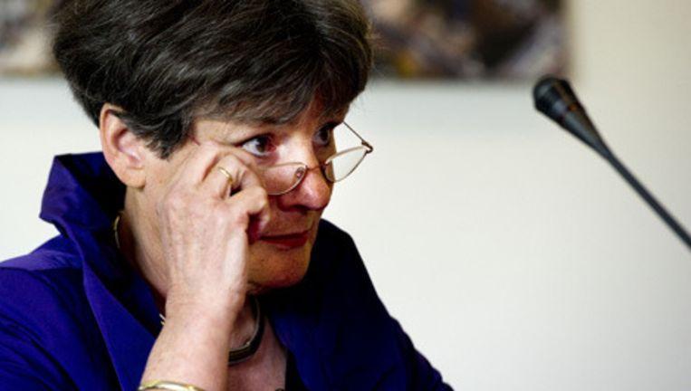 Voorrzitter Louise Gunning-Schepers van de commissie-Gunning presenteert vrijdag het onderzoek naar de grote misbruikzaak in Amsterdam. © anp Beeld