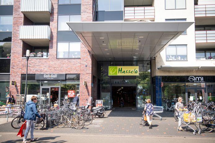 """Winkelcentrum Hasselo wordt in het koopstromenonderzoek gewaardeerd met een 8,2. """"Het is hier altijd druk."""""""