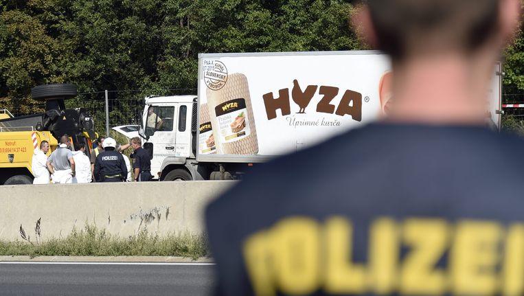 De truck waarin de lichamen werden aangetroffen op de snelweg A4.