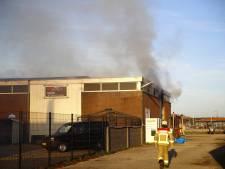 Forse brand in bedrijfspand in Elburg onder controle