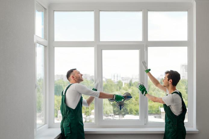 Vereniging Eigen Huis wil dat huizen koeler worden gemaakt, bijvoorbeeld door het gebruik van donkere ramen.