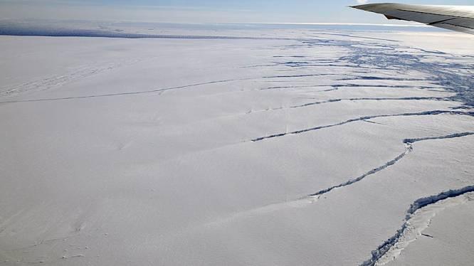 """""""Heet gesteente onder Antarctica doet het ijs ook langs de onderzijde smelten"""""""