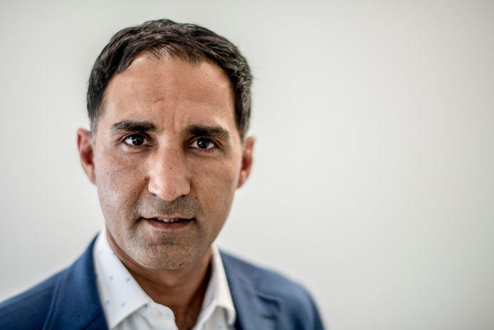"""Tielenaar Shakib Sana  - huisarts in Rotterdam en Leerdam - maakt zich zorgen over mensen in achterstandswijken die nog niet zijn gevaccineerd. Maar een vaccinatieplicht? Dat gaat hem te ver. ,,Mensen moeten zelf de keuze maken."""""""