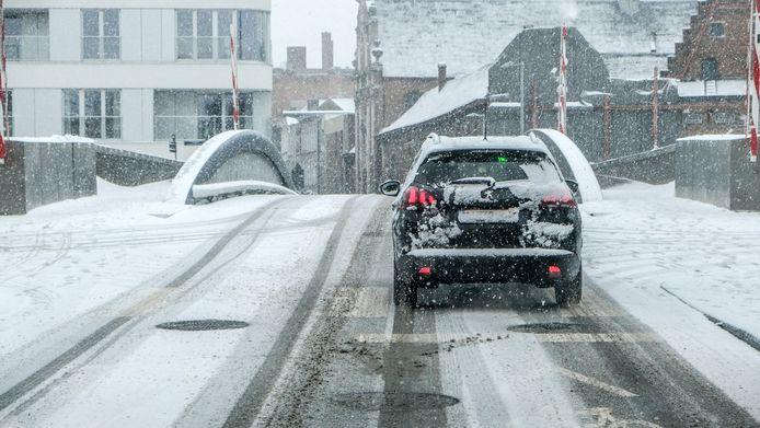 Bruggen zijn altijd tricky in de sneeuw, zoals hier de Budabrug.
