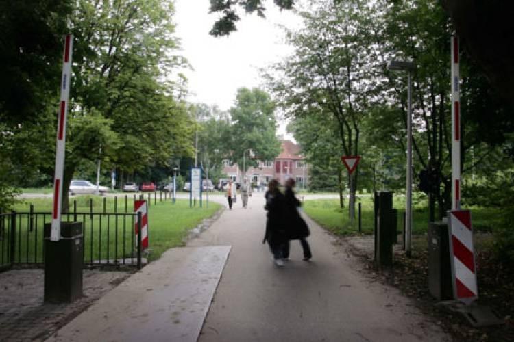 De entree van de Heldringstichting in Zetten.
