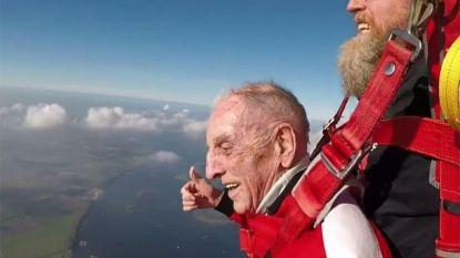 Een week goed nieuws: Karel (96) springt uit een vliegtuig en geniet met volle teugen en andere verhalen die je blij maken