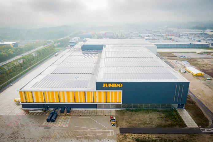 Luchtfoto's van het Jumbo distributiecentrum op bedrijventerrein Laagraven bij Nieuwegein. Het enorme complex ligt vol met zonnepanelen.