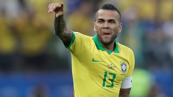 Veteraan Dani Alves (38) keert terug in Braziliaanse selectie