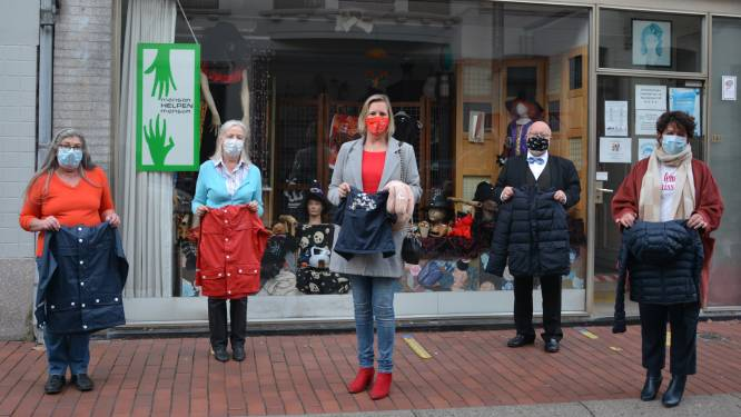 Sp.a Ledegem schenkt winterjassen aan Roeselaarse Télévestiaire