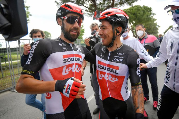 Thomas De Gendt en de inmiddels uit de Giro gestapte Caleb Ewan.
