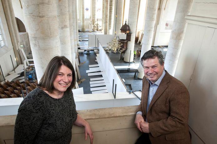 Kleeman en Ledeboer in de Bergkerk, net voordat de expo Roofkunst in première ging.