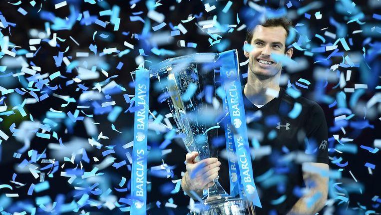 Andy Murray viert zijn overwinning op de ATP Finals in Londen Beeld afp