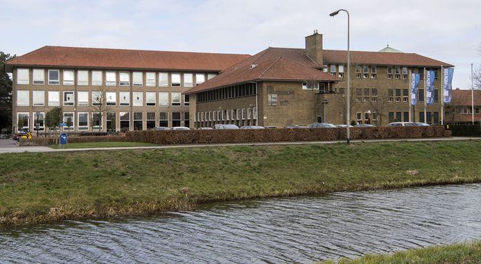 Het Erasmus in Almelo heeft sinds deze maand op de locatie mavo/havo/vwo een genderneutraal toilet.