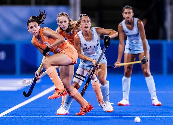 Malou Pheninckx geeft in de olympische hockeyfinale haar Argentijnse tegenstandster het nakijken. 'Dit was misschien wel mijn beste toernooi ooit.'