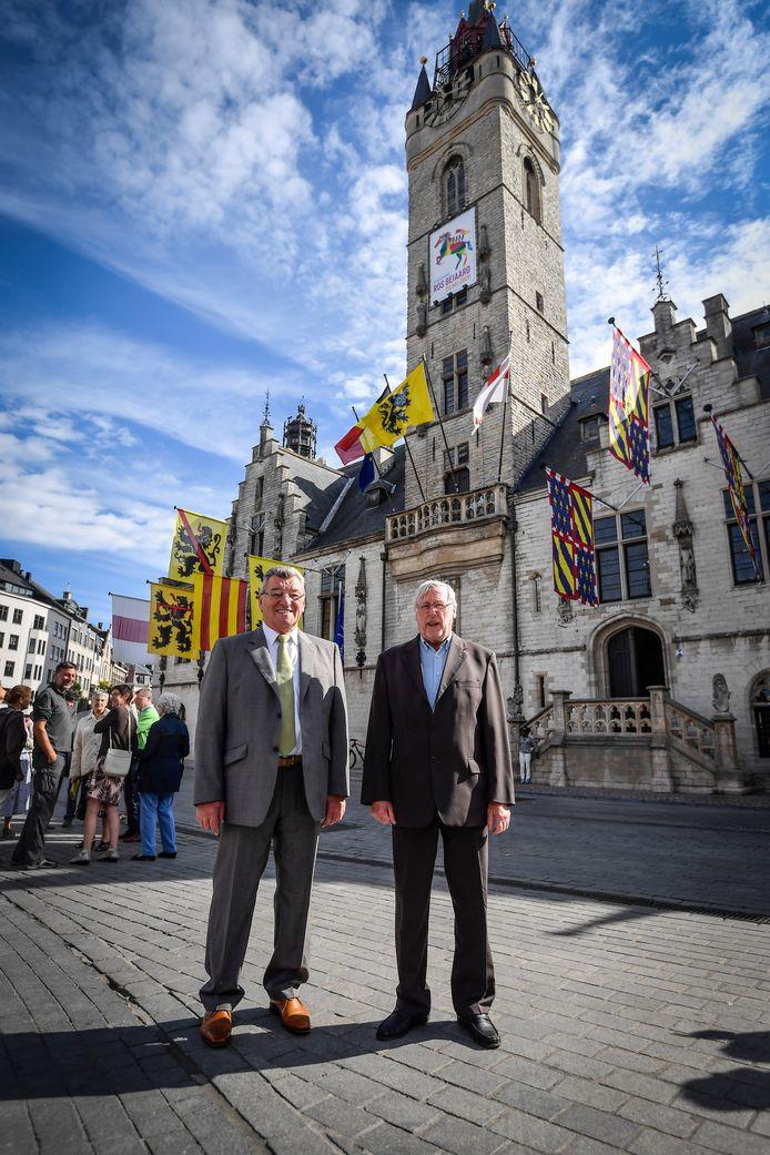 Robert Korte en Roland De Meerleer namen hun familie mee voor een bezoek aan het Belfort.