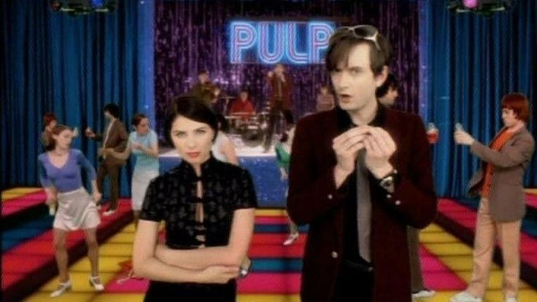 Fragment uit de videoclip van het nummer Common People (1995). Beeld rv