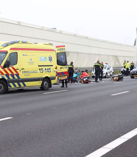 Motorrijder ernstig gewond door ongeluk op A12