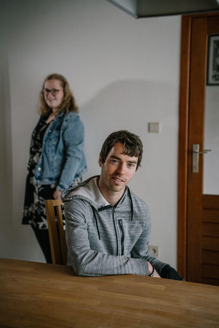 Dries Lobbinger en Valerie Vaes, twee ex-bewoners van het studentenkot in Hasselt. Beeld Wouter Van Vooren