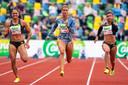 Dafne Schippers (m) in actie op de 100 meter bij de FBK Games.
